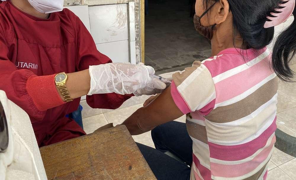 Vaksinasi Covid-19 di Desa Galungan, Buleleng